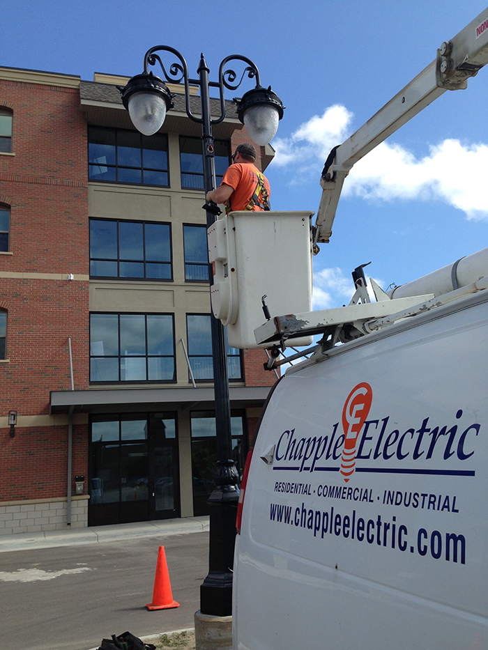 streetlight-LED-bucket truck-light repair