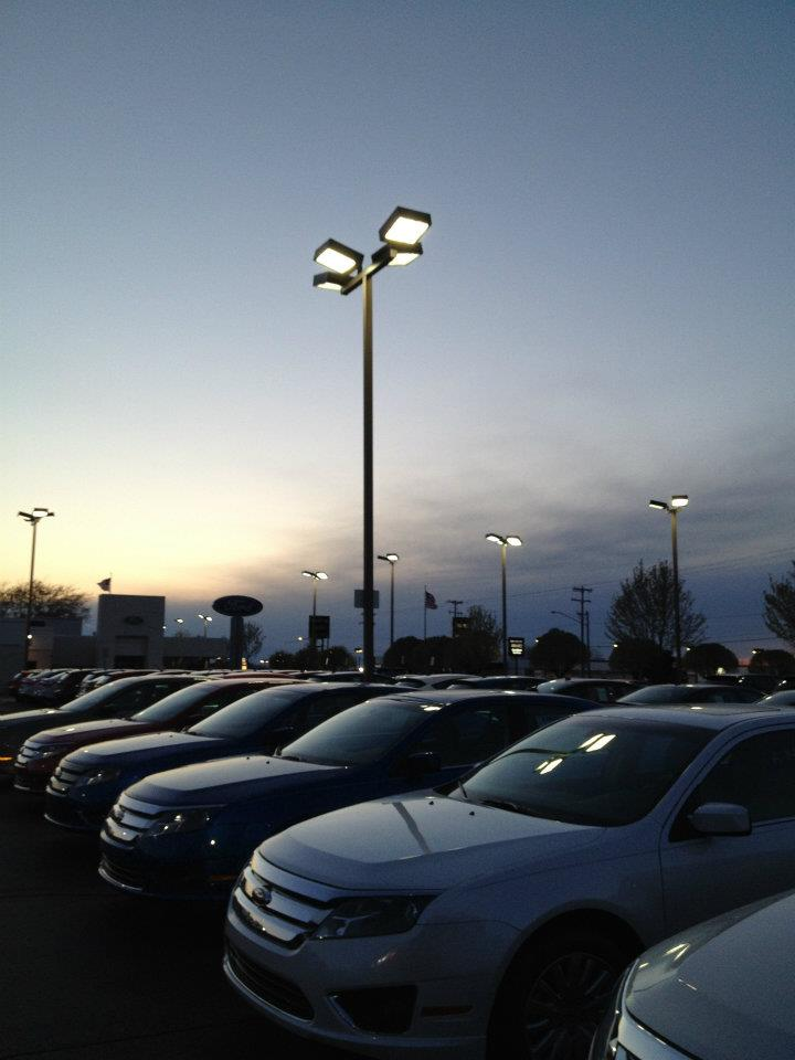 Parking-Lot-and-street-light-repairs-and-installation